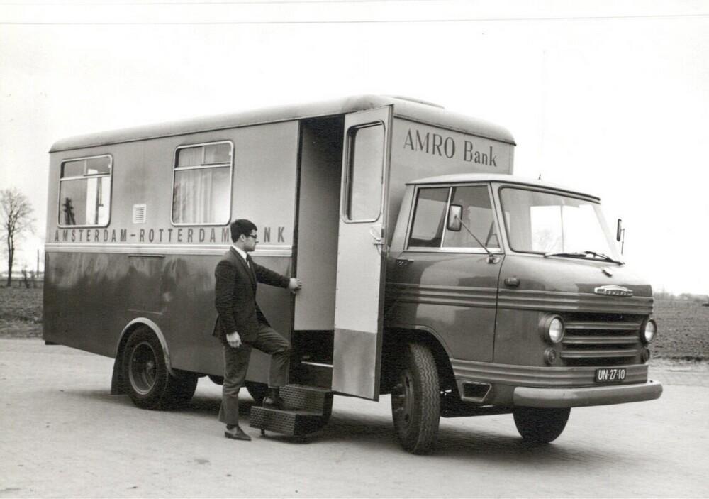 Rijdende bankbus