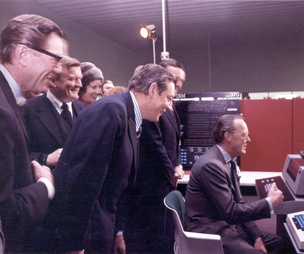 Opening Amro Computercentrum, Groenelaan 2, Amstelveen door Prins Bernhard