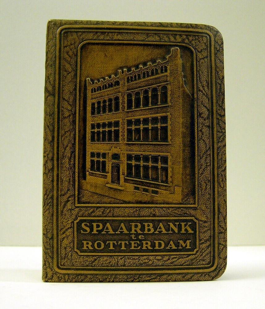 Spaarpot van de Spaarbank te Rotterdam in de vorm van een boekje