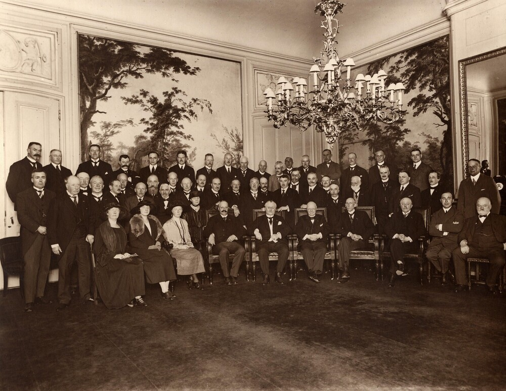 Vergadering van het comité voor het nationaal huldeblijk aan hare majesteit Koningin Wilhelmina