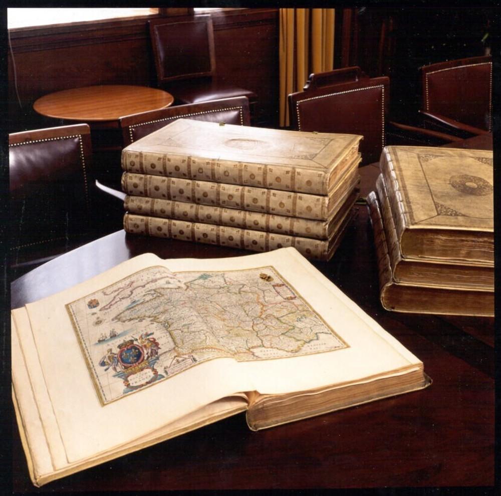 (Blaeu atlas) Groote atlas, oft wereltbeschrijving, in welcke 't aerdrijck, de zee, en hemel wort vertoont en beschreven