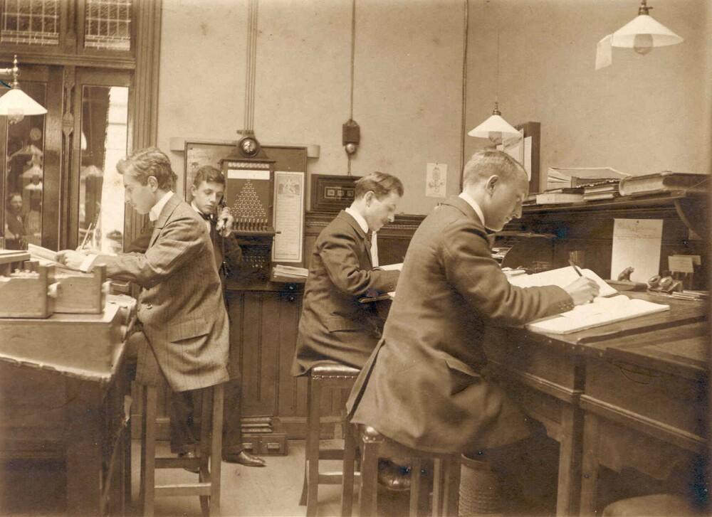 Haarlemsche Bankvereeniging. Haarlem, Zijlstraat 76