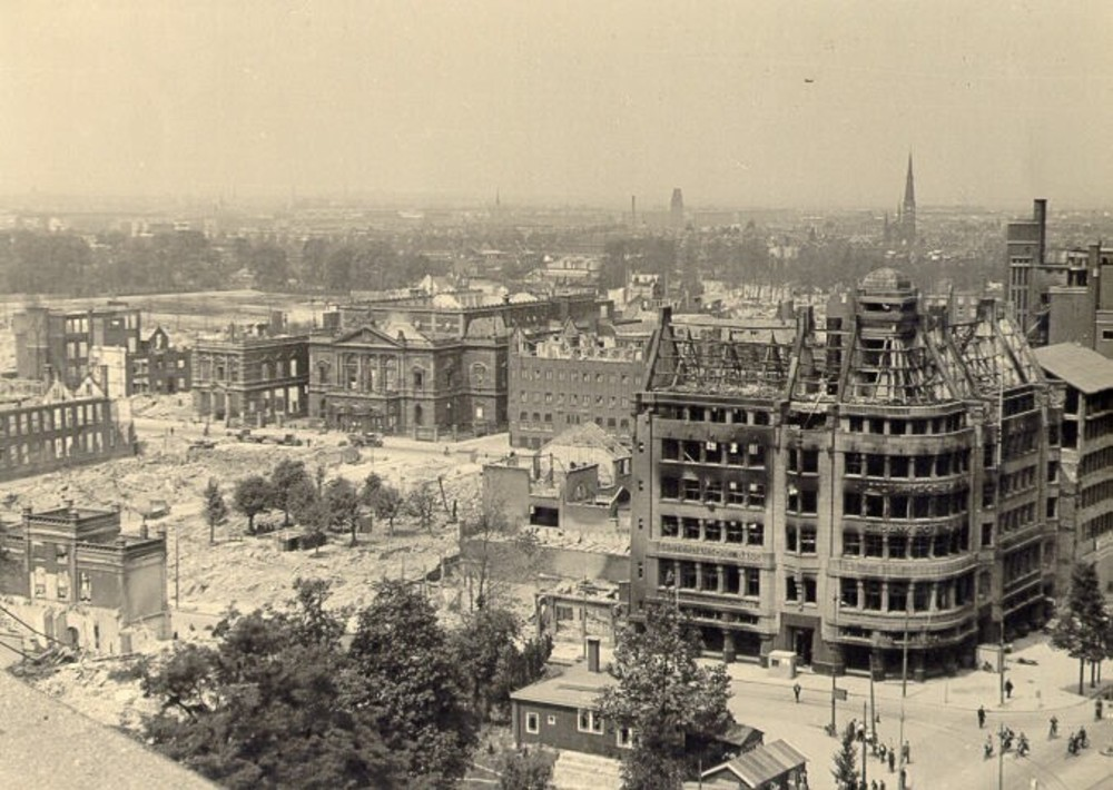 Rotterdam, Coolsingel 111: oorlogsschade na bombardement
