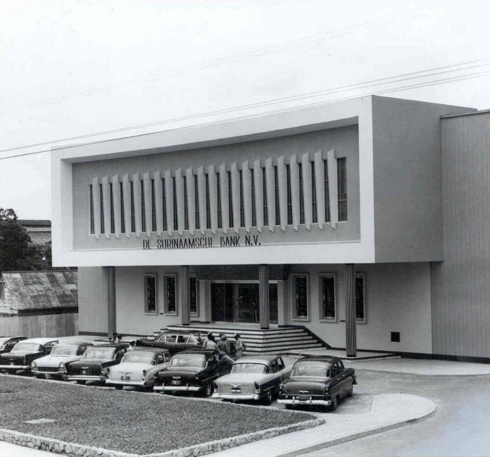 Hoofdkantoor Surinaamsche Bank, Paramaribo, Suriname