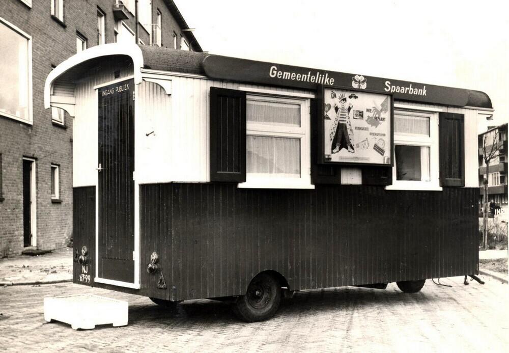 Zaandam: Schaftkeet als rijdend bijkantoor Gemeentelijke Spaarbank