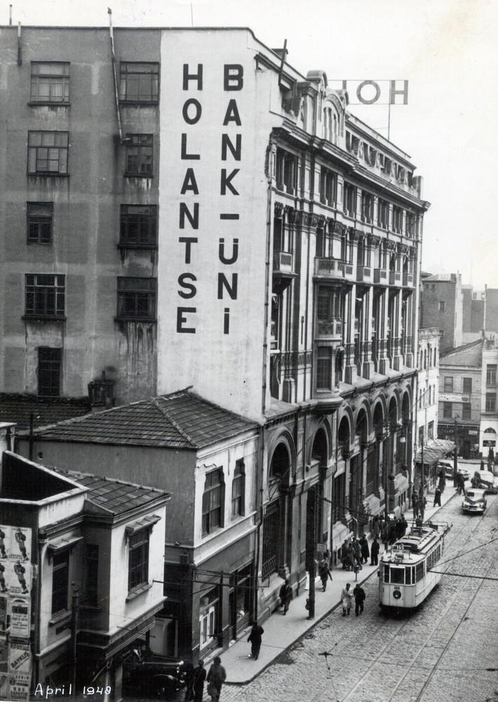 Turkije, Istanbul (Galata), Rue Voivoda en (Eminü) Büyük Postahane Jami Sokak 21