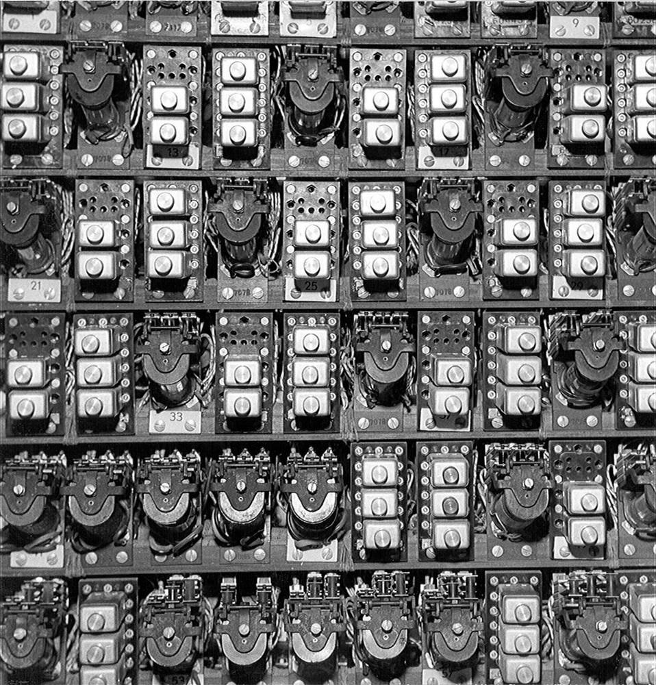 Amsterdam, Vijzelstraat 32: Bull tabelleermachine, relais-tableau