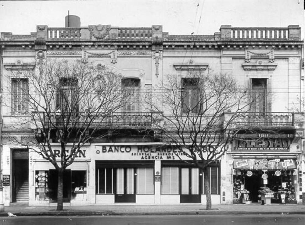 Argentinië, Buenos Aires, Cabildo 2426-2430: agencia no 2