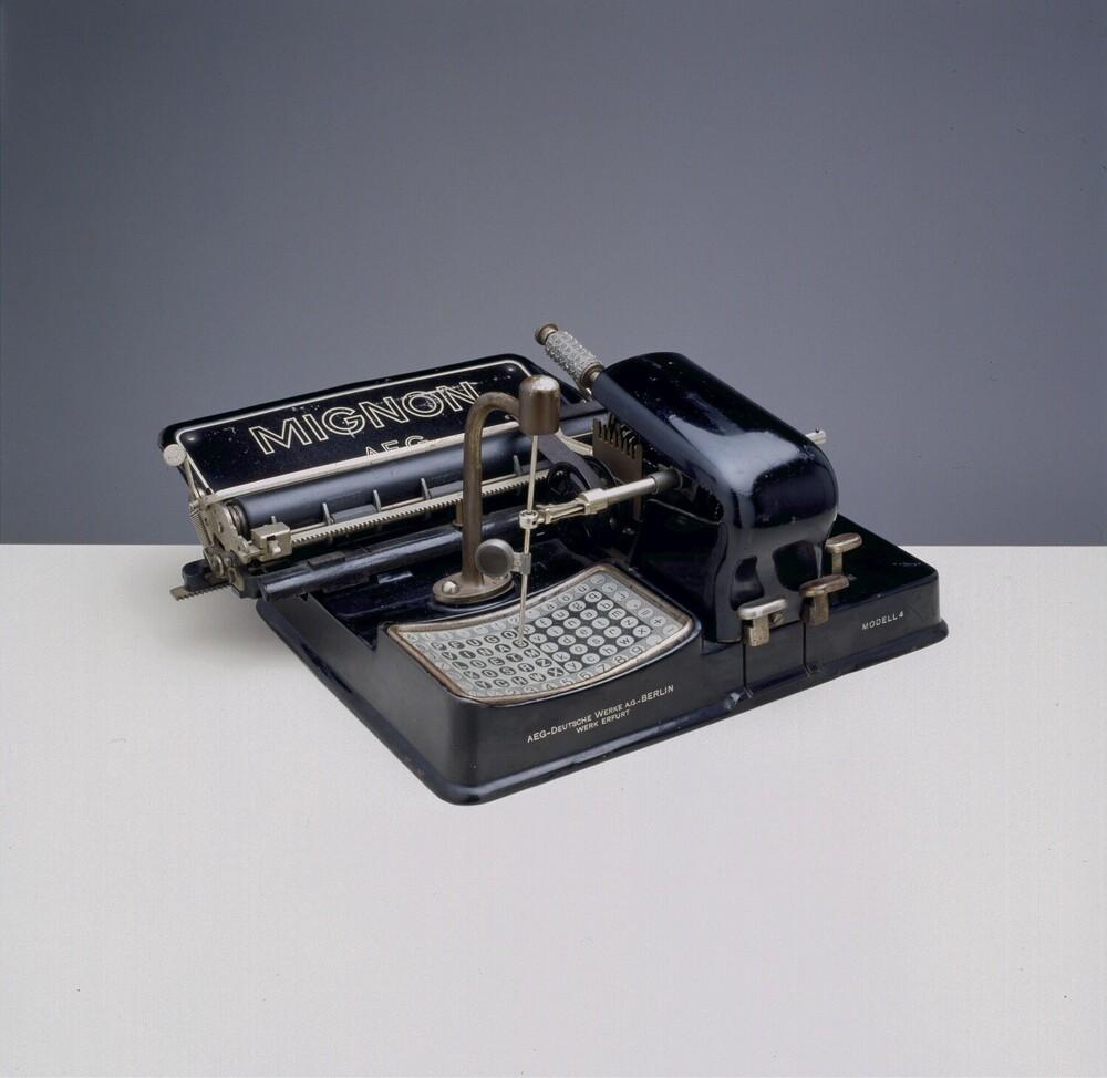 AEG Mignon 4; Schrijfmachine