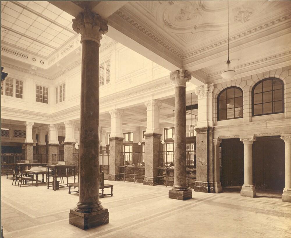 Den Haag, Kneuterdijk 1: interieur en exterieur foto's van het gebouw