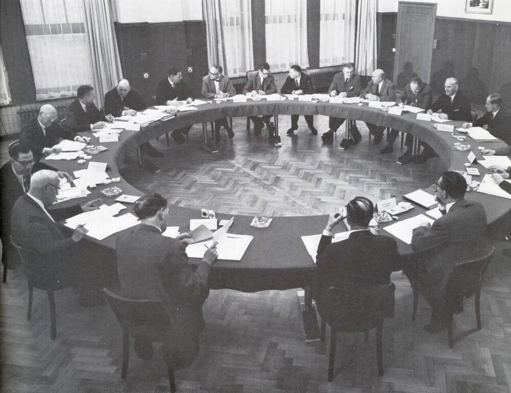 De ondernemingsraad in vergadering bijeen