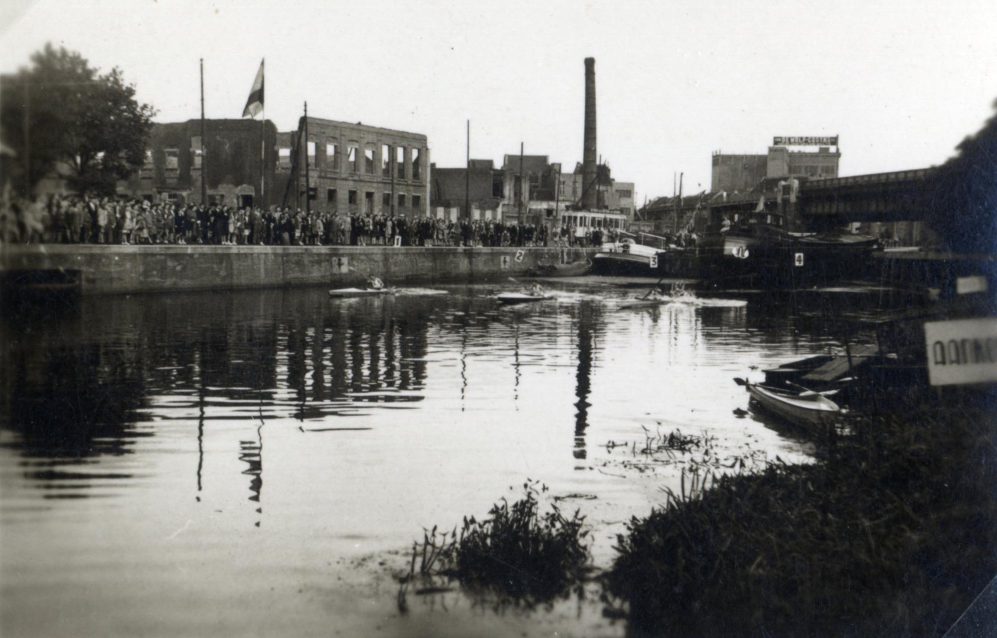 Roeiwedstrijd op de Dender, 1947-1948