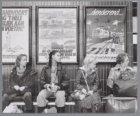 Wachtende treinreizigers tijdens de stiptheidacties van de Nederlandse Spoorwege…