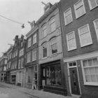 Eerste Laurierdwarsstraat 1 - 11 (ged.) en links Eerste Rozendwarsstraat 17 hoek…