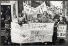 Kinderdemonstratie in de Eerste Bloemdwarsstraat tegen sluiting van buurthuis de…