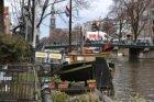 Prinsengracht (t.h.v. nrs.) 296-298 (links) en Houseboat Museum