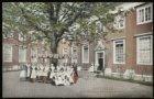 Kalverstraat 92, de binnenplaats voor de weesmeisjes in het burger weeshuis