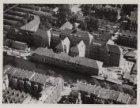 Luchtfoto van het Jacob van Lennepkanaal en omgeving gezien in zuidwestelijke ri…
