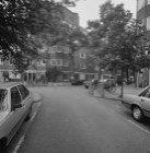 IJselstraat 81 - 91 (ged.) (rechts), links na het hoekhuis Waalstraat 20 - 22 v.…