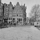 Prinsengracht 2 - 8 (ged.) v.r.n.l. Rechts daarvan Brouwersgracht 101A - 105