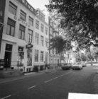 Amstel 196 - 212 (ged.) v.r.n.l. Links van nummer 200 een deel van Amstelstraat …