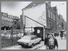 """Onthulling van het """"Krisismonument"""" in de Nicolaas Beetsstraat"""