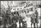 Een demonstratieve tocht op de Rozengracht, op weg naar het stadhuis om buurthui…