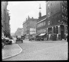 Willemsstraat 2-22, rechts Brouwersgracht 139. Op de hoek het café van J. de Ruy…