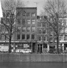 Prinsengracht 110 (ged.) - 120 (ged.) v.r.n.l. Op nummer 114 café de Twee Zwaant…