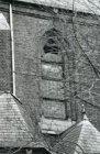 Vondelstraat 120, Vondelkerk, detail gevel en glas-in-loodraam