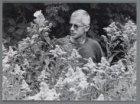 Portret van William Frohn, beheerder van de heemtuin in het Sloterpark (Presiden…