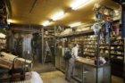 Interieur van rijwielonderdelenzaak Cito, Ferdinand Bolstraat 36