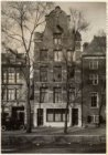 Oudezijds Voorburgwal 300 (ged.)-304 (ged.) (v.r.n.l.). Nummer 304 gebouw Frasca…