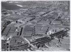 Luchtfoto van de Admiraal De Ruijterweg (onderaan) en omgeving gezien in noordwe…