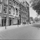 Amstel 302 - 308 (ged.) v.r.n.l. (Nieuwe nummering 300, 306 en 308 en op de hoek…