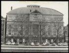 Amstel 115-125, Theater Carré gezien over de Amstelsluizen