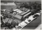 Luchtfoto van de biscuitfabriek Patria NV, Haarlemmerweg 485 (voorheen B 356). R…