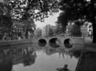 Keizersgracht 2A-2 en achter de Pastoorsbrug, Brug 55 Brouwersgracht 88 -124 (ge…
