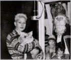 Sinterklaas schenkt kinderboerderij De Havelaar een varkentje