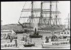 Demonstratie van oude stoomsleepboten in de IJhaven op de tweede dag van de sche…