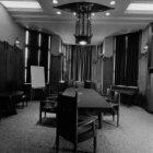 Prins Hendrikkade 108-114, vergaderzaal in het Scheepvaarthuis