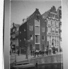 Egelantiersgracht 6 (ged.) - 10 v.r.n.l., links Eerste Egelantiersdwarsstraat 9 …