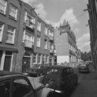 Rozenstraat 2 - 50 (ged.) v.r.n.l. met op nummer 12-16 Verenigingsgebouw Ons Hui…