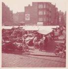 Overzicht van de Waterloopleinmarkt