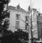 Herengracht 475 (ged.) - 477 v.r.n.l., achtergevels. Op nummer 477 Huis Neufvill…
