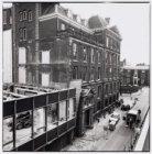 Spiegelstraat, Nieuwe 3-5 en geheel 17 (v.l.n.r., links)