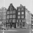 Wittenburgergracht 19 (ged.) - 23 en rechts na het hoekhuis Grote Wittenburgerst…