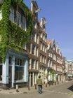 Noorderkerkstraat 2-18 (v.r.n.l.), gezien naar Lindengracht