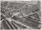 Luchtfoto van het Haarlemmerplein (midden) en omgeving gezien in noordoostelijke…