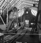 Staalkade 6, werkzaamheden aan de kap. Links het dak van nummer 7
